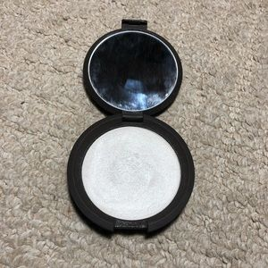 Becca Shimmering Skin Perfector - Pearl